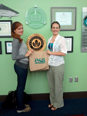 Jessica Shade (left) and Kathryn Theiss (right) at the ESA conference in Portland